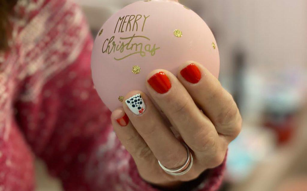 La manicura roja vuelve por Navidad
